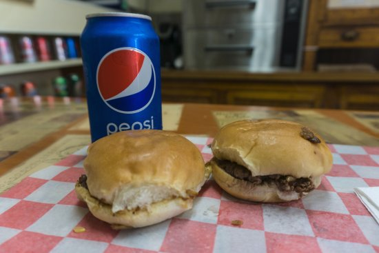 The Cozy Inn: Two sliders and a Pepsi