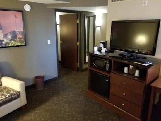 Drury Inn & Suites New Orleans: 20170820_095307_large.jpg