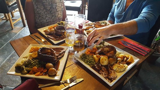 Hartpury, UK: Sunday lunch