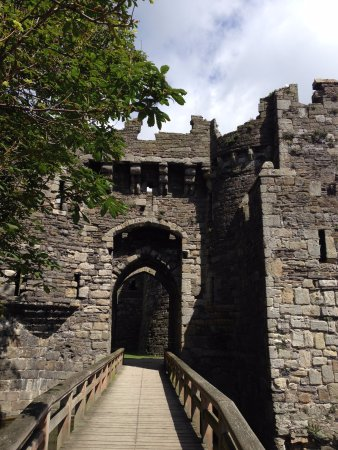 Beaumaris, UK: Entrance to the castle