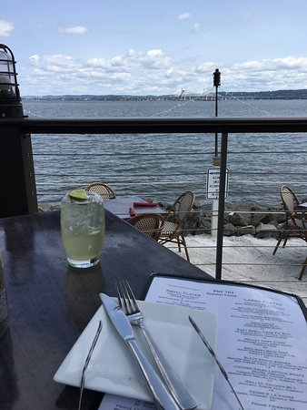 Piermont, NY: My margarita on the Hudson and my baby back ribs