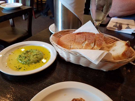 Chadds Ford, Pensilvania: bread and dipping sauce