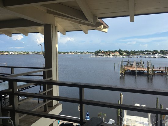 Cove Inn on Naples Bay: photo1.jpg