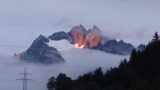 Innertkirchen, Szwajcaria: Alpy o zachodzie słońca
