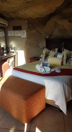 Kagga Kamma Nature Reserve: Bedroom area of cave #6