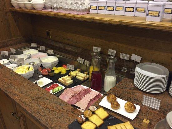 Bella Vista Hotel : Nice breakfast with local specialties