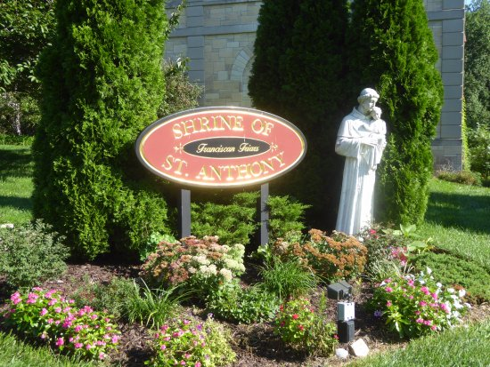 Ellicott City, MD: St. Anthony Statue and Sign