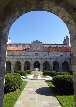Ellicott City, MD: Shrine Courtyard