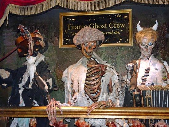 Broadbeach, Australien: Titanic Ghost Crew