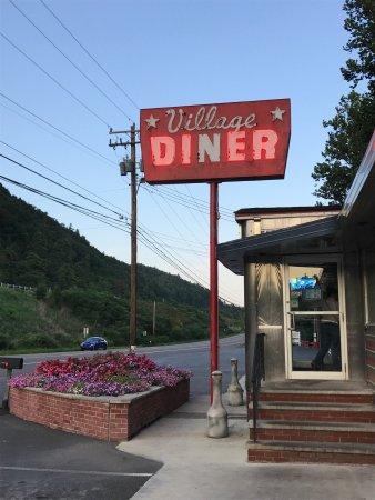 Village Diner: photo0.jpg