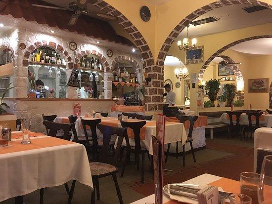 Wildeshausen, Germany: Vier Länderspezialitäten.... sehr nettes Personal, gute sehr vielseitige Küche!