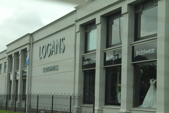 Logans Restaurant & Cafe: Wall.