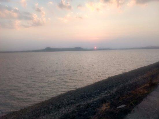 Gangapur Dam: sunset