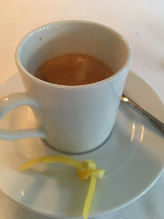 Harwich Port, MA: Great espresso with a little bow made out of lemon peel