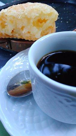 Inhotim: Café e Pão de Queijo, do Café das Flores.