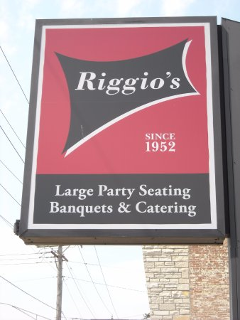 Niles, IL: main sign in west parking lot