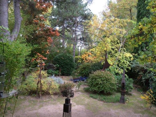 Eguilles, Francia: automne au jardin