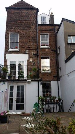 Merchant's House: Merchants' House depuis le jardin de l'arrière-cour