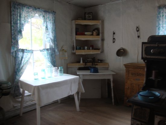 Bannack State Park: Doctors house
