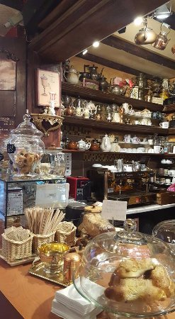 St. Catharines, Canada: Pastries and cakes and cookies!