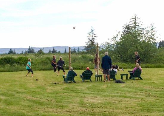 Gustavus, AK: Volleyball at the Bear Track Inn