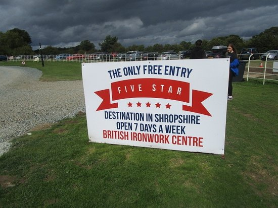 Oswestry, UK: Free entry sign