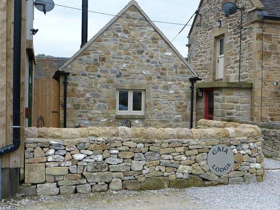 Hulme End, UK : Gaia Lodge, Upper Hurst Farm. 14 August 2017.