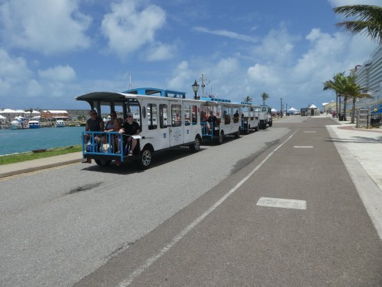 Sandys Parish, Bermuda: Free Trolly To Mall