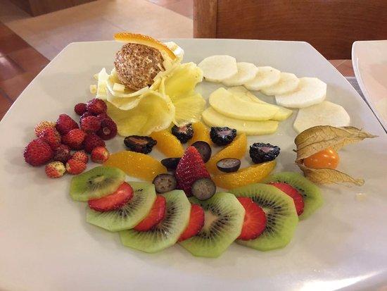 Panorama Palace Hotel: Macedonia di frutta