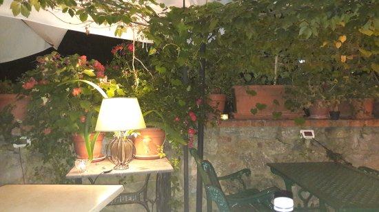 Ciciano, Italia: 20170820_225453_large.jpg