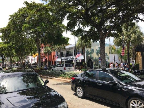 Las Olas Boulevard: photo2.jpg