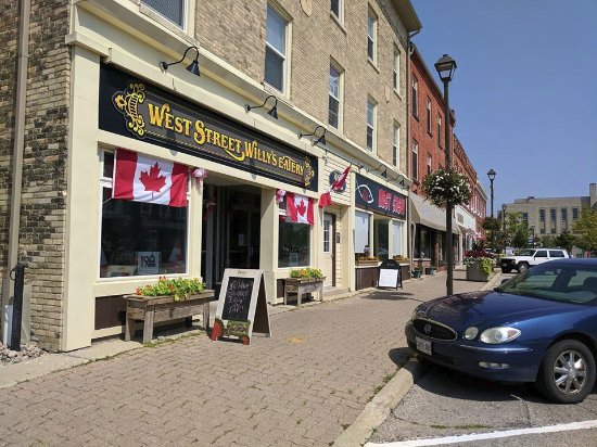 West Street Willy's Eatery: Street view