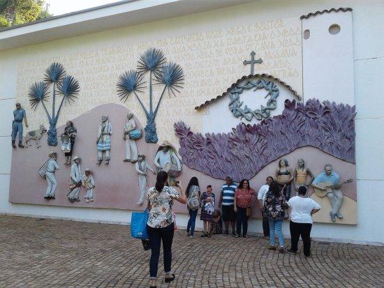 Inhotim: Vida dos moradores de Brumadinho retratada por dois artistas americanos. Adorei