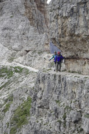 Guide Dolomiti : Via Ferrata near Tre Cime. No rope on this section.