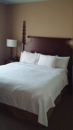 Embassy Suites by Hilton Savannah: 0609171956c_large.jpg