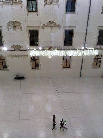 V galerii Albertinum je do 3 9  prodlouzena vystava Gerharda