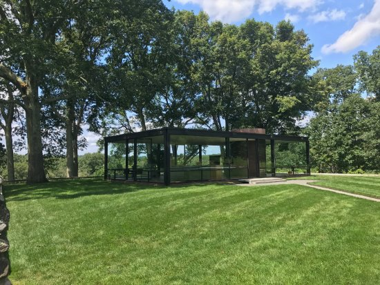 New Canaan, CT: The Glass House in August