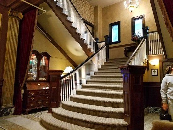 MarQueen Hotel Photo