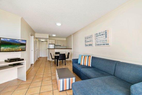 Alexandra Headland, Australia: 2 Bedroom Pool View Apartment - BreakFree Alexandra Beach