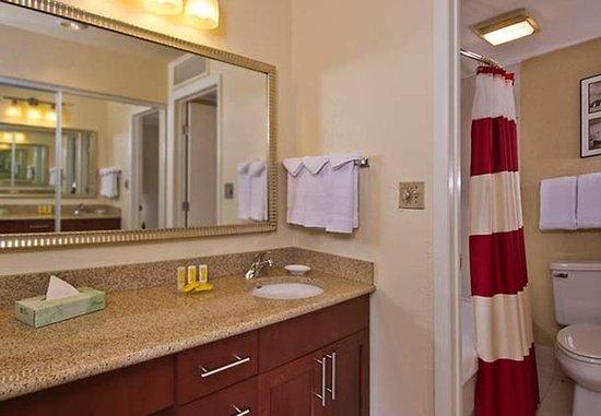 Horsham, PA: Guest Bathroom