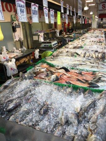 Maine avenue fish market d c maine avenue fish for Maine fish market