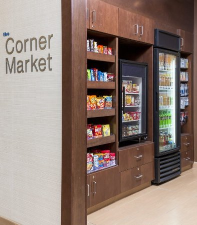 Lee's Summit, MO: The Corner Market