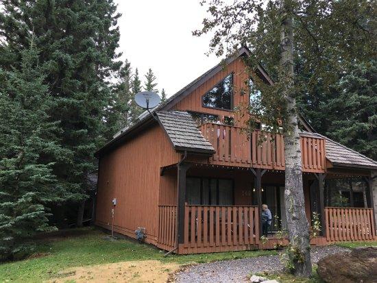 Overlander Mountain Lodge: Chalet #140