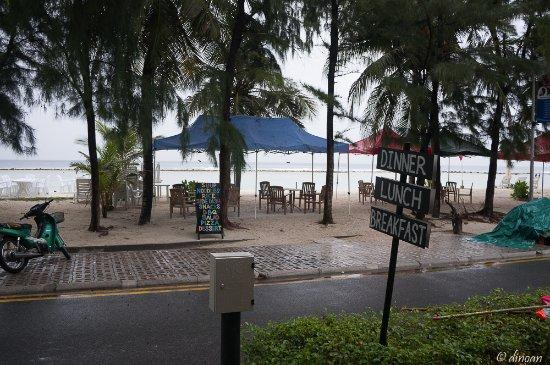 Fuana Inn: view outside