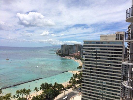 Waikiki Beach Marriott Resort & Spa Photo