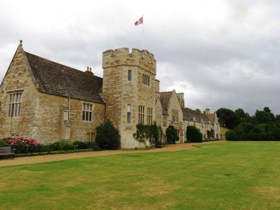 Market Harborough, UK: Front of the castle.