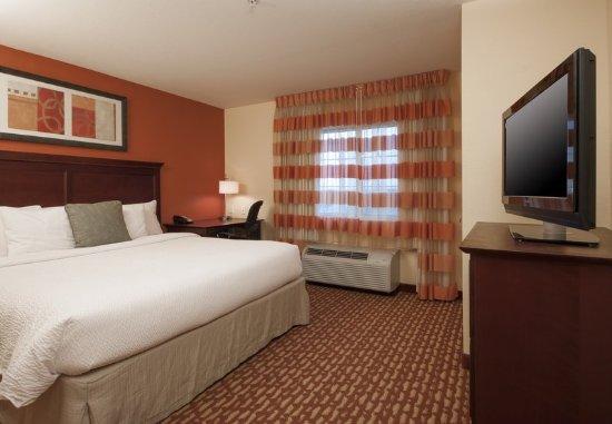 El Centro, CA: Two-Bedroom Suite - Bedroom