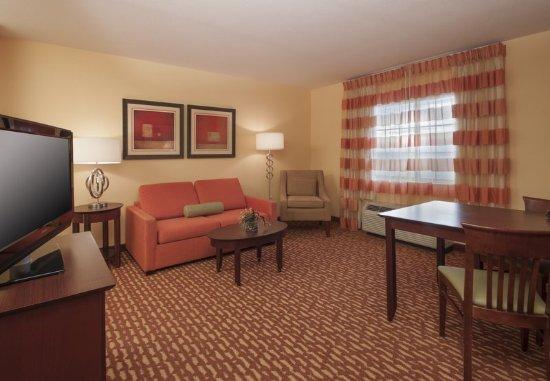 El Centro, CA: One-Bedroom Suite - Living Room