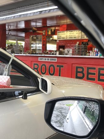Weber's Drive In: Avoid this rip off joint