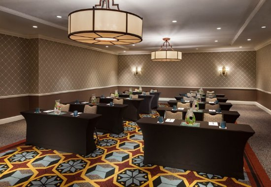 The Alexandrian, Autograph Collection: Rosemont Room - Classroom Setup
